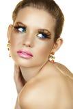Blonde vrouw met valse wimpers Royalty-vrije Stock Afbeeldingen