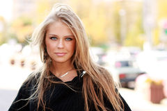 Blonde vrouw van de close-up Stock Foto's