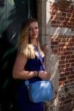 Blonde vrouwen antieke muur, Groot Begijnhof, Leuven, België royalty-vrije stock afbeelding