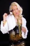 Blonde weibliche Aufstellung mit Sonnenbrillen Stockbild