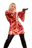Blonde y arma expresivos Imagenes de archivo