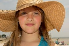 Blondemeisje bij het strand Royalty-vrije Stock Afbeeldingen