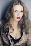 Blondemeisje met sexy rode lippen royalty-vrije stock fotografie