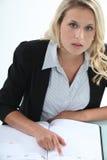 Blonder Büroangestellter Lizenzfreie Stockfotografie