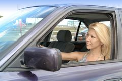 Blonder Fahrer stockbild