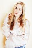 Blonder Jugendlicheabschluß der Junge recht herauf Porträt, Lebensstil peo Lizenzfreie Stockbilder