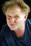 Blonder Mann des Porträts, der geschmerzt schaut Lizenzfreies Stockfoto