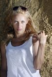 Blonder naher Felsen Lizenzfreie Stockfotografie