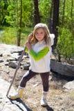 Blonder Steuerknüppel sith Mädchen des Forschers Kinderund Winterweißpelz Lizenzfreies Stockbild