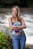Blonder vorbildlicher naher Wasserfall Stockbilder