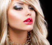 Blondes Art- und Weisefrauen-Portrait Stockbild