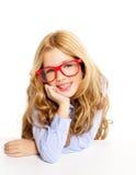 Blondes Art und Weisekindmädchen mit Glasportrait Lizenzfreies Stockbild