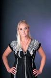 Blondes Art- und Weisemädchen-Portrait Stockfotografie
