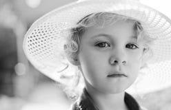 Blondes Baby im Freien Stockfotografie