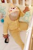 Blondes Baby im Haus Stockbilder