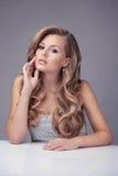 Blondes Baumuster mit dem schönen Haar Lizenzfreies Stockfoto