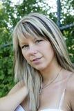 Blondes Baumuster mit dem schönen Haar Stockfotografie