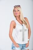 Blondes behaartes Modell in der Americanaausstattung Lizenzfreies Stockbild