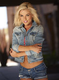 Blondes Bikini-Modell Lizenzfreies Stockfoto