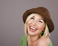 Blondes Brown-Hut-Lächeln Stockbild