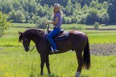 Blondes Cowgirl Lizenzfreies Stockbild