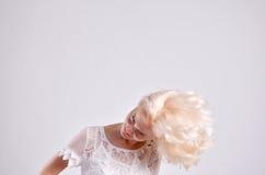 Blondes dünnes Frauenporträt Lizenzfreie Stockfotografie