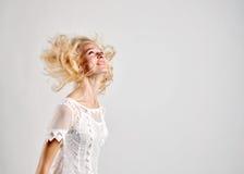 Blondes dünnes Frauenporträt Lizenzfreie Stockfotos