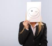 Blondes Frauen shere die smileystimmung Lizenzfreie Stockbilder