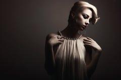 Blondes Frauenportrait Stockbild
