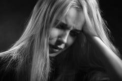 Blondes Frauenschreien Lizenzfreie Stockfotos