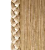 Blondes gerades Haar und Zopf oder Zopf lokalisiert Lizenzfreie Stockbilder