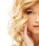 Blondes Gesicht der jungen Frau Stockfotografie