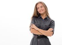 Blondes Haar des schönen Mädchenmodells, das Studio aufwirft Stockbilder