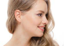 Blondes Haar-Frauen-Schönheit Skincare-Porträt Alterskonzept Badekurort Salo Lizenzfreies Stockbild