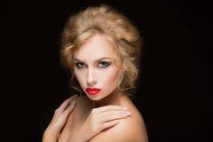 Blondes Haar Schönes reizvolles blondes Mädchen Lizenzfreie Stockfotografie