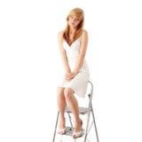 Blondes jugendlich Mädchen im weißen Kleid Lizenzfreies Stockbild