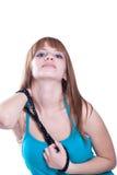 Blondes jugendlich mit großer schwarzer Perlenhalskette Stockbilder