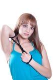 Blondes jugendlich mit großer schwarzer Perlenhalskette Lizenzfreies Stockbild