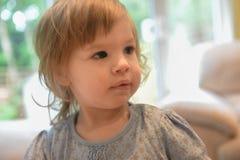 Blondes kaukasisches Kind stockbilder