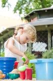 Blondes Kind auf Spielplatz Lizenzfreies Stockbild