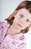 Blondes Kind in ihren Schlafanzügen Lizenzfreie Stockbilder