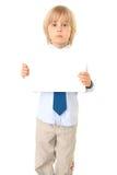 Blondes Kind mit Karte für Text Lizenzfreie Stockfotografie