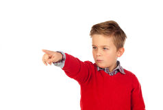 Blondes Kind mit rotem Trikot zeigend mit seinem Finger Lizenzfreie Stockfotografie