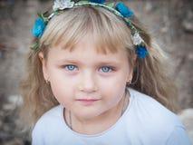 Blondes kleines Mädchen Stockfoto