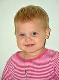 Blondes kleines nettes Mädchen zu Hause Stockfotografie