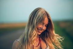 Blondes Lachen Stockfotografie