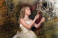 Blondes Mädchen in Abendkleiderprinzessin Stockbild