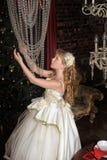Blondes Mädchen in Abendkleiderprinzessin Lizenzfreies Stockfoto