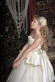 Blondes Mädchen in Abendkleiderprinzessin Lizenzfreie Stockfotografie