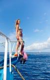 Blondes Mädchen auf Yacht Lizenzfreies Stockbild